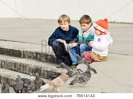 Children And Doves
