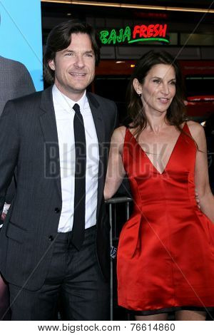 LOS ANGELES - NOV 20:  Jason Bateman, Amanda Anka at the