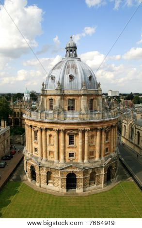 The Radcliffe Camera ( Oxford University)
