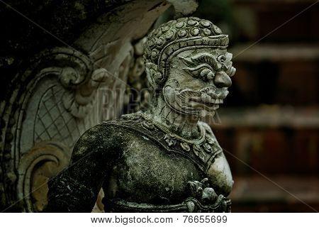 Thai Ramakien giant statue