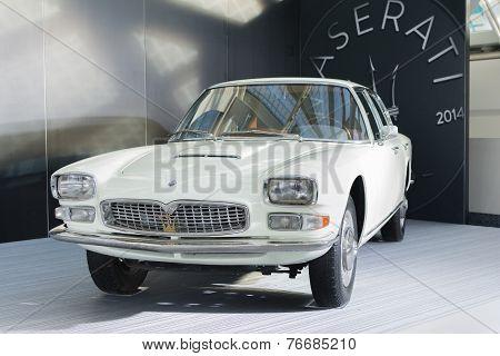 Old Maserati Quattroporte1965
