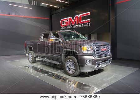 Gmc Sierra 3500 Denali Hd 2015 On Display