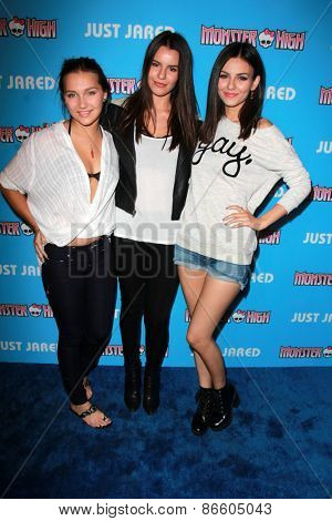 LOS ANGELES - MAR 26:  Jessica Haid, Madison Reed, Victoria Justice at the Just Jared's Throwback Thursday Party at the Moonlight Rollerway on March 26, 2015 in Glendale, CA
