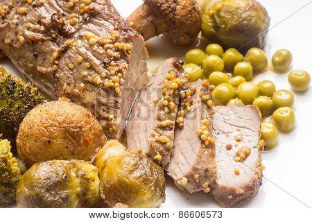 Sliced Roast Beef With Grilled Vegetables