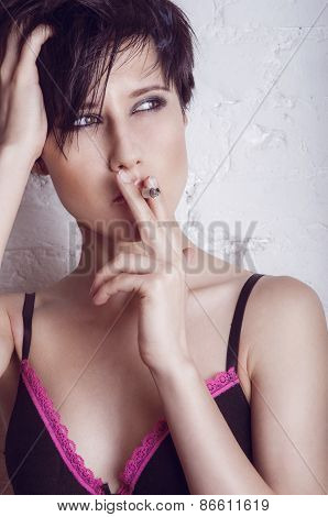 Fashion smoking young woman