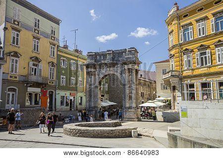 Triumphal Arch Of Roman Antique Era In Pula