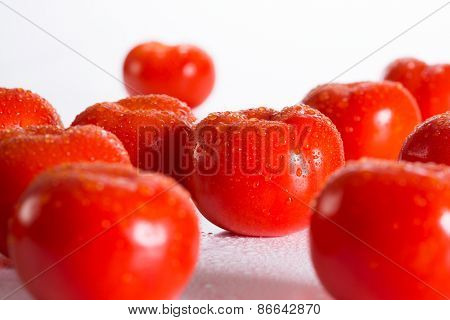 Tomates in drops of water