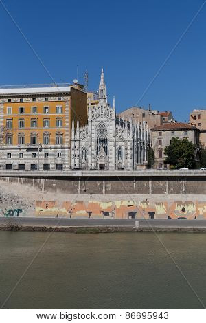 Chiesa Sacro Cuore Del Suffragio And Other Buildings Along The River Tiber