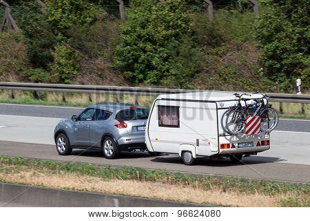Nissan Juke With A Caravan