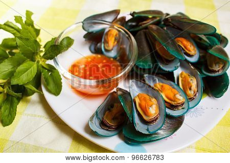 Steamed Mussels And Spicy Sauce.