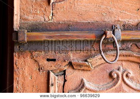 Abstract  House      In Italy  Lombardy       Closed  Nail Rusty