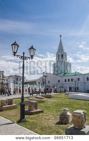 Ornate Lamppost, Ruins And Spasskaya Tower Of The Kazan Kremlin.