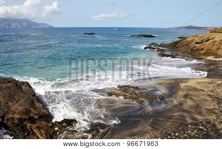 Wave Patterned Beach In Djeu
