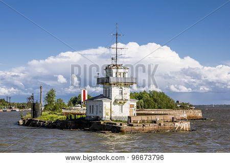 Peter Harbor.gates To The Harbor In Kronstadt, St-petersburg.