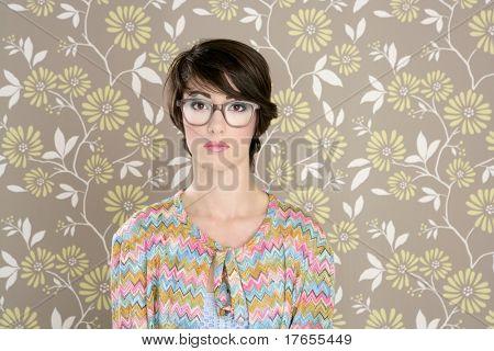 nerd retro woman 60s vintage glasses floral wallpaper