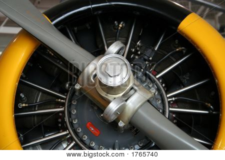 Airplane Propeller Engine