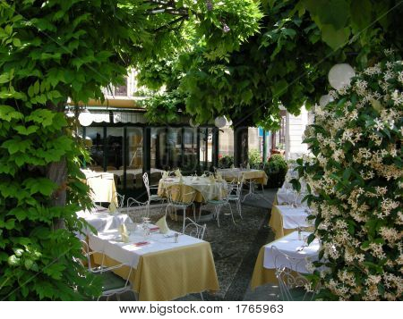 Sented Garden Romantic Setting