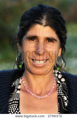 """Porträt einer glücklich """"Zigeuner"""" Dame"""