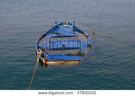 Versunkenes Ruderboot