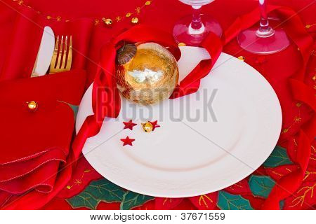 table served for christmas