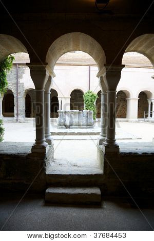 Saint Pere Rodes Cloister