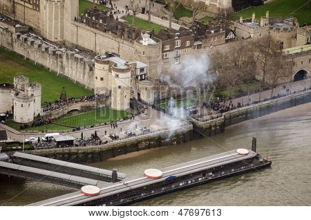 Gun salute, Tower of London