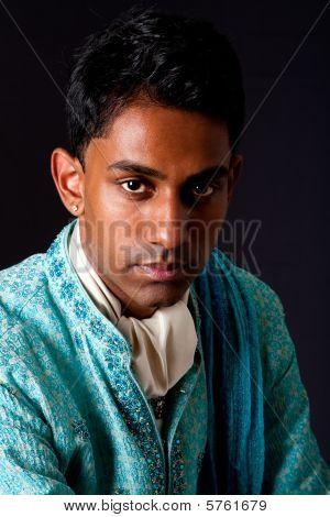 Homem bonito Hindu