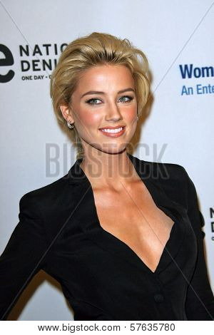 Amber Heard  at the EIF's Women's Cancer Research Fund's