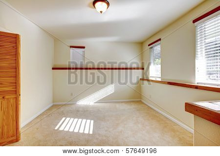 Bright Small Empty Room With Closet