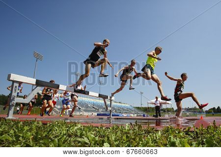 Steeplechase Track Men Jump Water