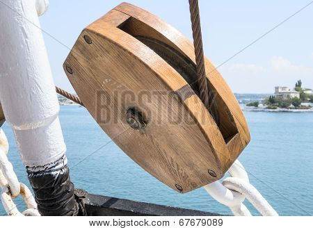 Wooden Pulley