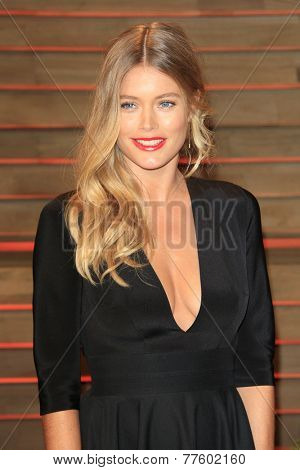 LOS ANGELES - MAR 2:  Doutzen Kroes at the 2014 Vanity Fair Oscar Party at the Sunset Boulevard on March 2, 2014 in West Hollywood, CA