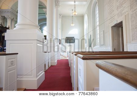 Memorial Church of Harvard, white interior.