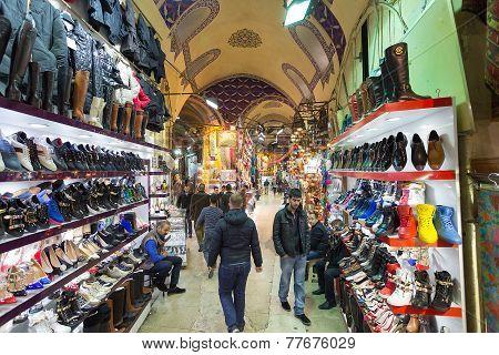 Istambul, Turkey - November 27, 2014: Mall Grand Bazaar (Kapal?çar??) in Istanbul, Turkey