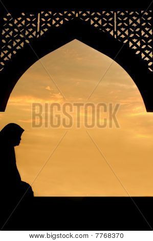 Silhouette Of Islamic Women