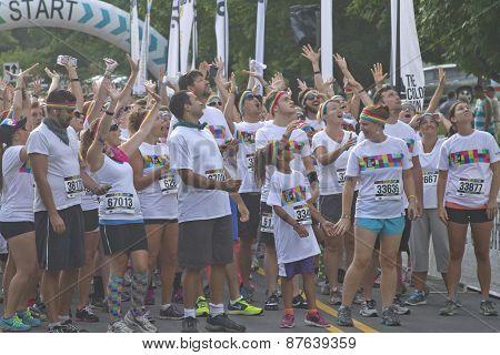 Color Run Racers Eager To Begin