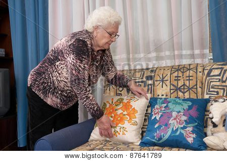 Placing Pillows
