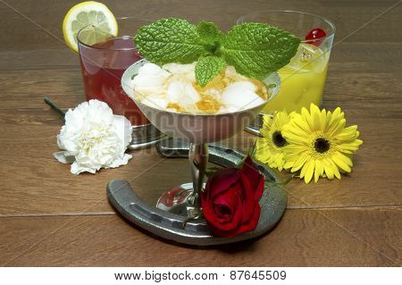 Drinks And Flowers Of The Triple Crown With Horseshoe