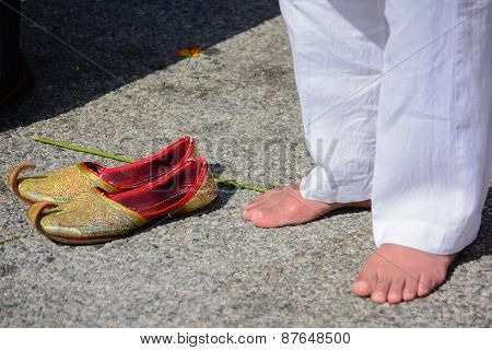 Devotee Sikh Praying Without Shoes