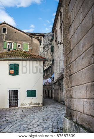 Kotor, Montenegro, 24.01.2015. Narrow Street Of The Old Town Of Kotor