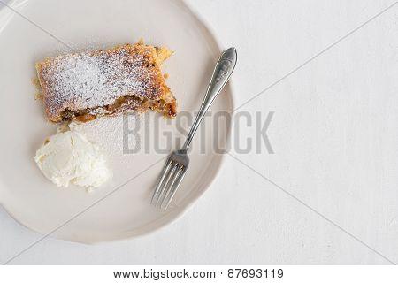 Apple And Cinnamon Austrian Pie