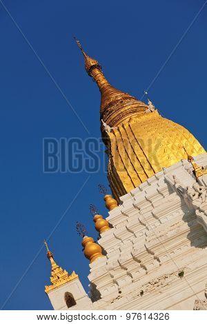 Kyauktawgyi Pagoda, Mandalay