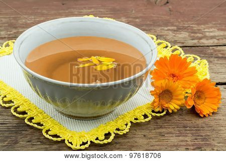 Herbal Medicine: Tea With Calendula