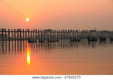 Beautiful sunset in Ubein bridge