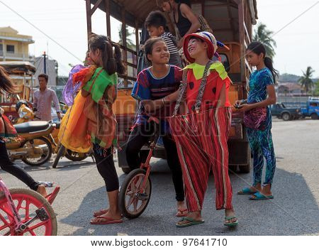 Children Prepare For Performing In Sihanoukville Annual Carnival