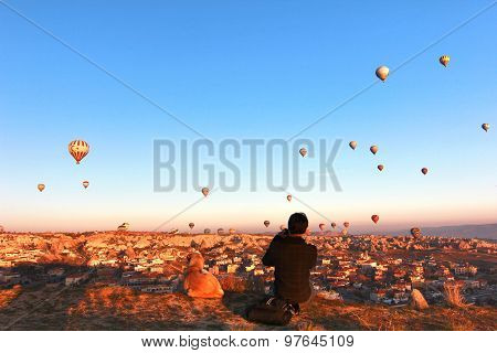 hot-air balloon in capadocia turkey