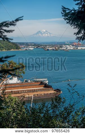 Port And Mount Rainier 4