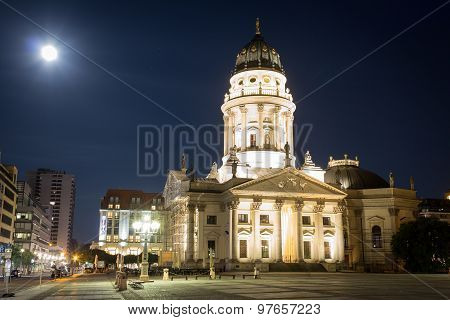 gendarmenmarkt, berlin at night -german cathedral