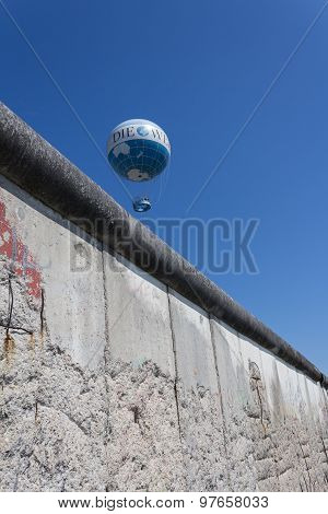 hot air balloon, berlin wall, germany