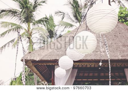 White paper lanterns, wedding decorations for outdoor wedding ceremony